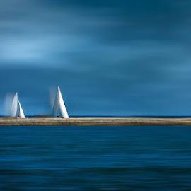 by Rob Hansen - Transportation Boats