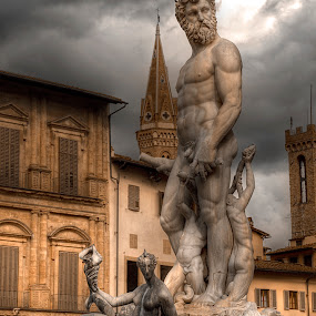 by Glen Unsworth - Buildings & Architecture Statues & Monuments