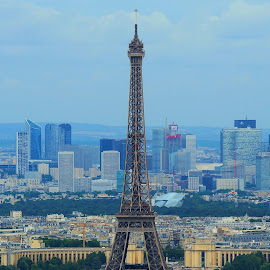 The Vibrant Eiffel Tower by Steve Henley - Buildings & Architecture Statues & Monuments ( paris, monuments, france, architecture, attraction )