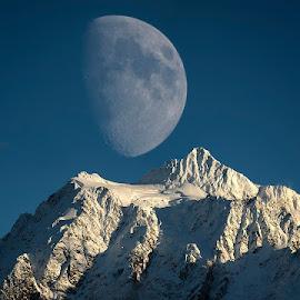 Big moon over Mt. Shuksan by Peter Cheung - Landscapes Mountains & Hills ( washington, moon, mt. shuksan, mt. baker )