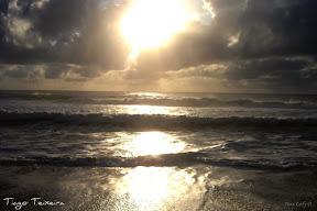Foto Nascer do sol em Arembepe (Bahia, Brasil)