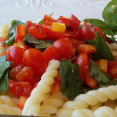 Tomato And Red Pepper Pasta Salad