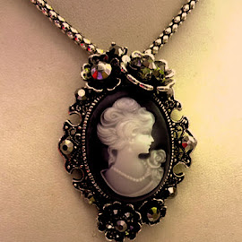 by Esther Crystal - Artistic Objects Jewelry