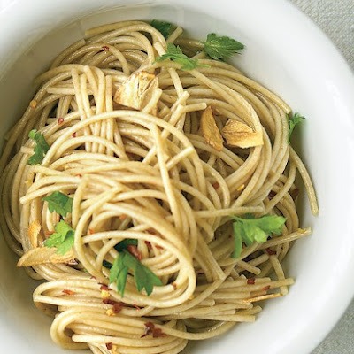 Whole-Wheat Spaghetti with Garlic Oil