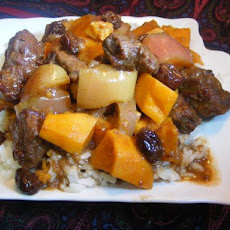 Beef Curry With Apples and Raisins