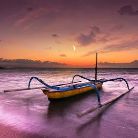 Rough morning by Ade Irgha - Transportation Boats ( #seascape, #ocean, #bali, #boats, #sky )