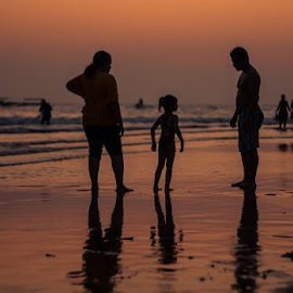 Sunset Family 2 by Luigi Rappallo - People Family ( holiday, family, sunset, christmas, sea, india, celebration, beach )