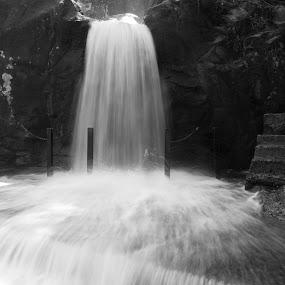 Manimuthar Falls, Tirunelveli by Muthu Kumar - Black & White Landscapes ( yesmk photography, b&w, tirunelveli, manimuthar falls, muthukumar, falls, bw, water flow, taminadu, india, slow shutter )