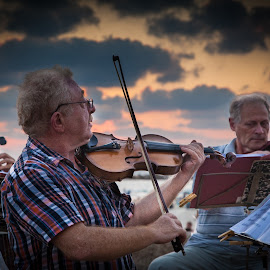 Street musicians in Tel Aviv by John Einar Sandvand - People Musicians & Entertainers ( israel, tel aviv )