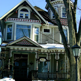 Bed and Breakfast in Galena by Kathy Rose Willis - Buildings & Architecture Homes ( bed and breakfast, home, galena, colorful, snow, victorian, decorated,  )