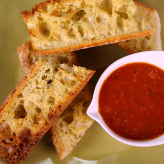 Roasted Garlic Bread & Tomato Dip