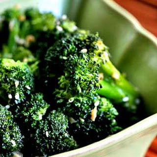 Broccoli Stir Fry with Ginger and Sesame