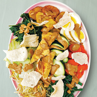 Gado-Gado (Indonesian Vegetable Salad with Peanut Dressing)