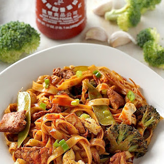 30 Minute Sriracha Chicken and Broccoli Lo Mein