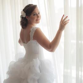 Sv by Amin Basyir Supatra - Wedding Bride ( bali, prewedding, wedding, beautiful, white, beauty, bride )