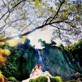 Water Fall in Love by Aang Rinaldi - Wedding Bride & Groom