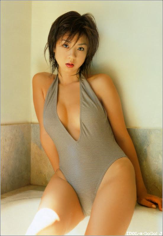 Aki Hoshino hoshino_aki110.jpg