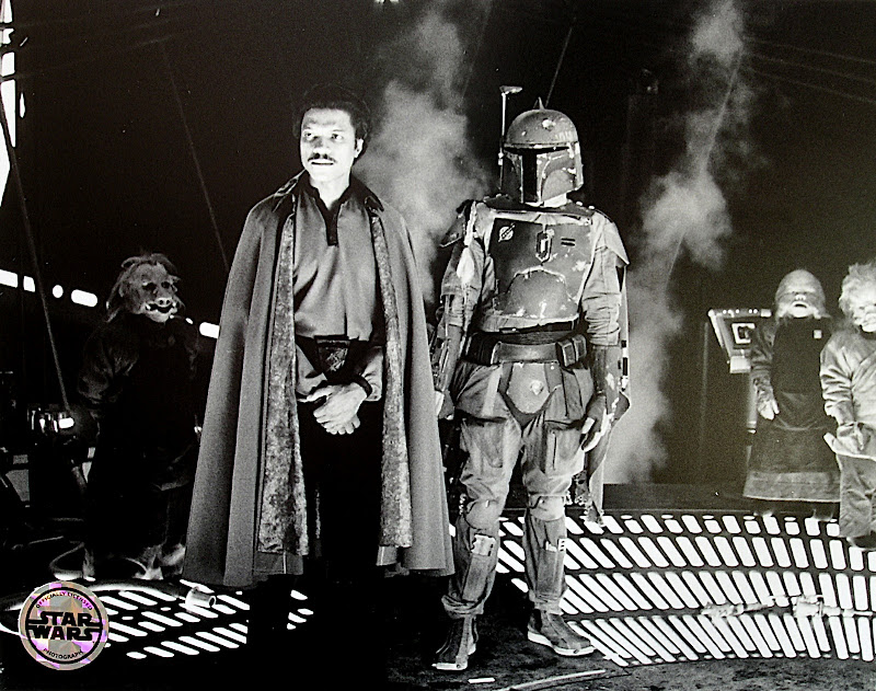 This black & white photo of Lando and Boba Fett caught my eye