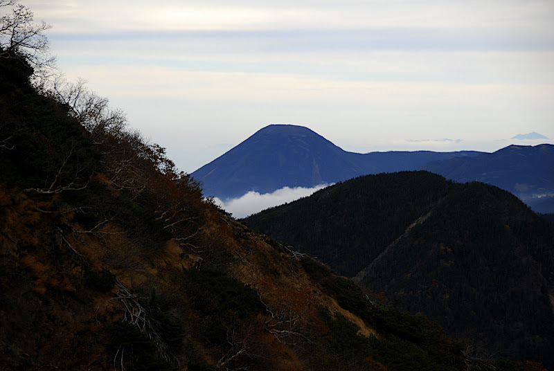 Mountains roll hither and thither in Yatsugatake