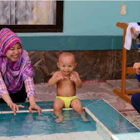 little baby with happy face... by Dwi Ratna Miranti - Babies & Children Children Candids