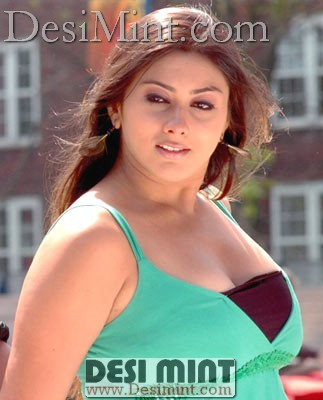 Namitha_masala_pics_in_sizzling_dress