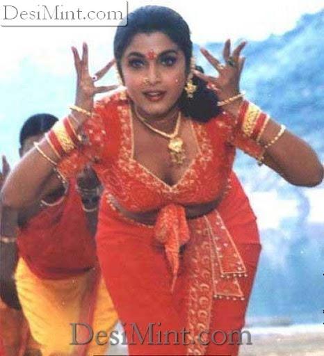 Ramya Krishnan in Blouse : Hot sexy Kannada Actress Ramya posing pics in blouse
