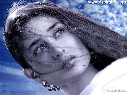 Indian-Actress-Kareena-Kapoor-Beautiful-Cute-pics-and-Wallpapers