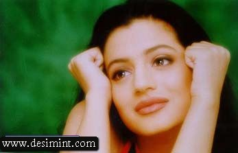 Desi-Indian-Actress-Amisha-Patel-Masala-Photos