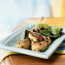 Sauteed Scallops with Parsley and Garlic