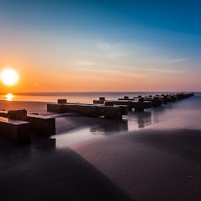 Wildwood's Sunrise by Éric Senterre - Landscapes Beaches ( sand, plage, sky, soleil, beach, sunrise, sun, shadows )