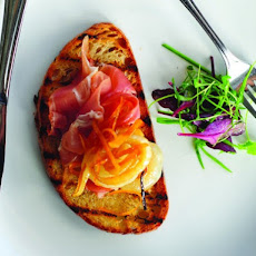 Bluestem's Crostini with Prosciutto and Hot and Sweet Cipollini