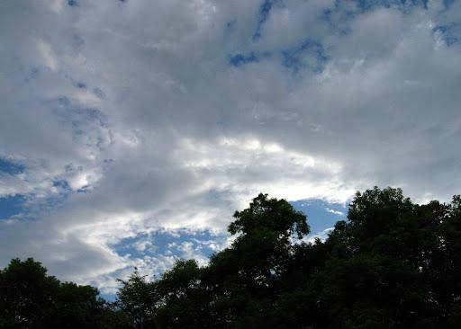 E61前的天空