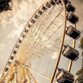 Ferris wheel by Sziszik Dániel - Buildings & Architecture Statues & Monuments ( ferris wheel )