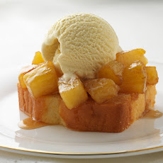 STICKY SPICED PINEAPPLE DESSERT