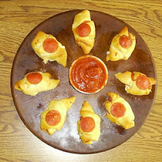 Pepperoni and Cheese Crescent Roll-ups