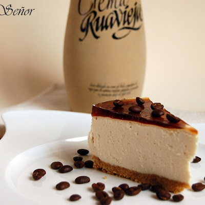 Cream of Orujo, Mascarpone, and Coffee Jelly Cheesecake