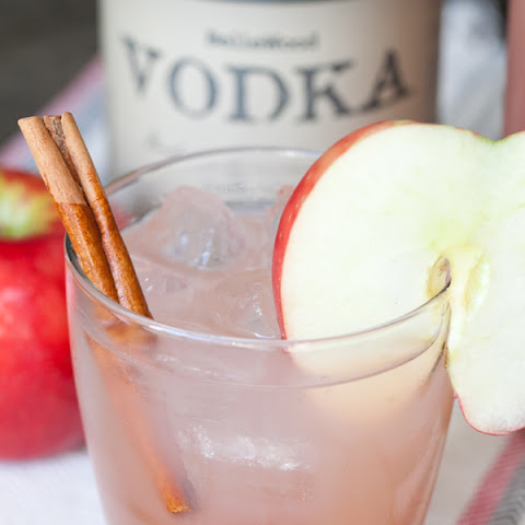 The best homemade apple cider cocktail ever