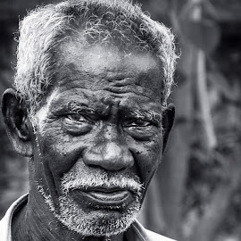 The powerful old man!! by Lingeswaran Marimuthukumar - People Portraits of Men