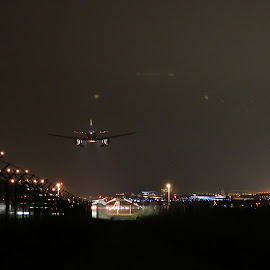 Easy Night landing by Danny Mix - Transportation Airplanes