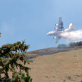 Fire Plane 2 by Dennis Robertson - News & Events Disasters ( airplane )