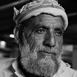 Akthar by Leyon Albeza - People Portraits of Men