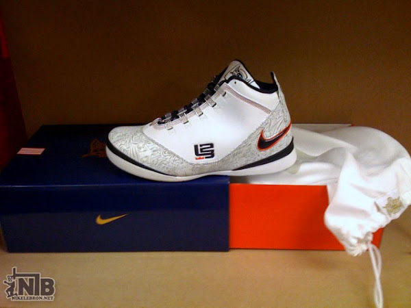 Nike Zoom Soldier II 8220United We Rise8221 USA Basketball Package Preview