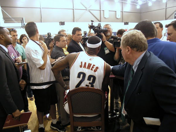 Cleveland Cavaliers Media Day 8211 LeBron James Without the ZLVI