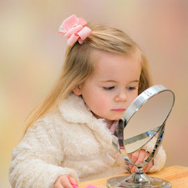 Emily sorting makeup by Stephen Crawford - Babies & Children Child Portraits ( play, fun, party, annbank, emily,  )
