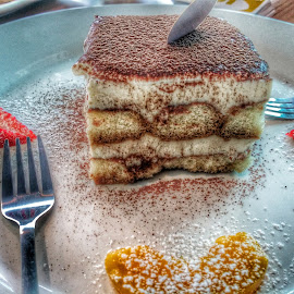 Tiramisu by Max Samson - Instagram & Mobile Android ( cake, veera, sweet, bakery, hdr, food, tiramisu, mobile )