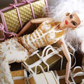 The Bag Diva by Marc Mendoza - Artistic Objects Toys ( fashion, doll, toy, couture, bags )