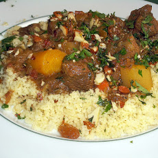 Lamb tagine with cinnamon, saffron and dried fruit