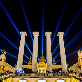 The Four Columns by Manickavasagam Shanmugam Annamalai - Buildings & Architecture Other Exteriors ( nikon long exposure night photography, barcelona spain four columns,  )