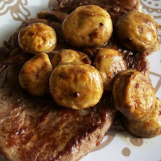 Garlic Steak With Mushrooms