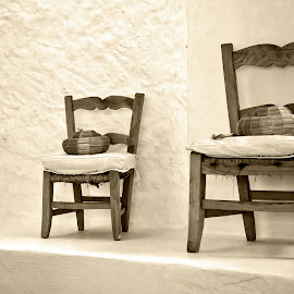 chairs by Vibeke Friis - Artistic Objects Furniture ( seat, chairs, 3 sizes, , Chair, Chairs, Sitting )